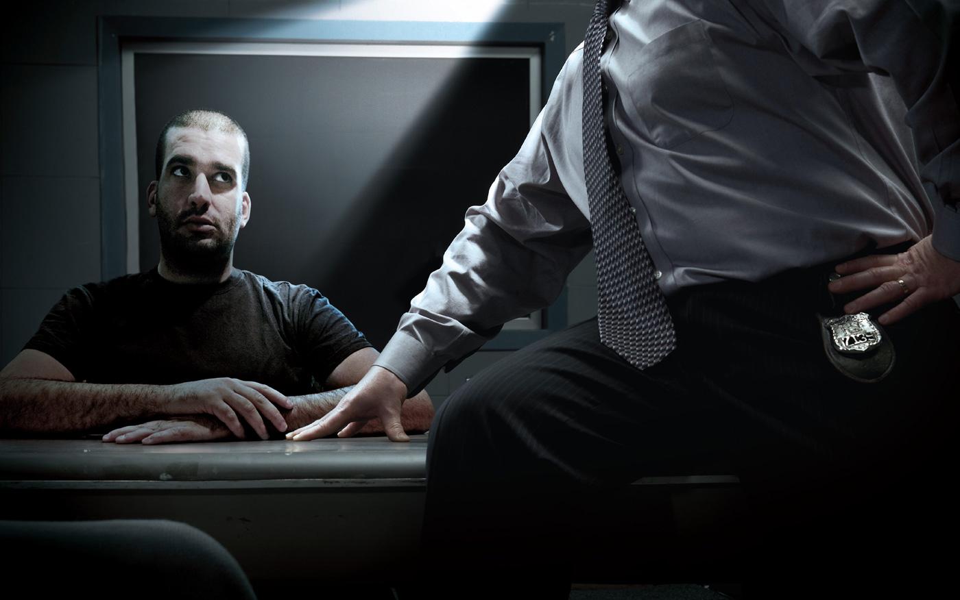 Как правильно вести себя на допросе у следователя