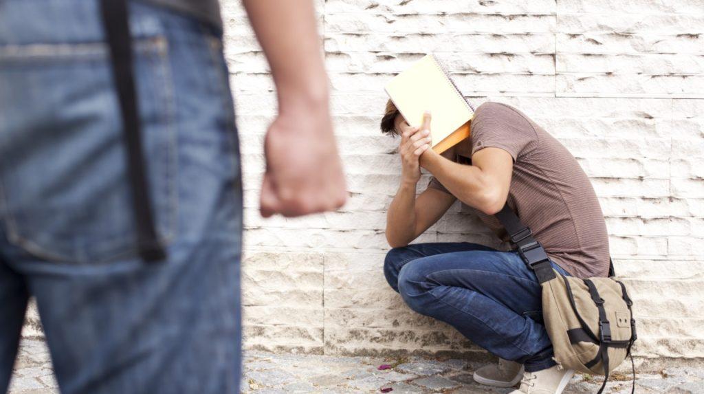 Вымогательство и угрозы – что делать и куда обращаться?