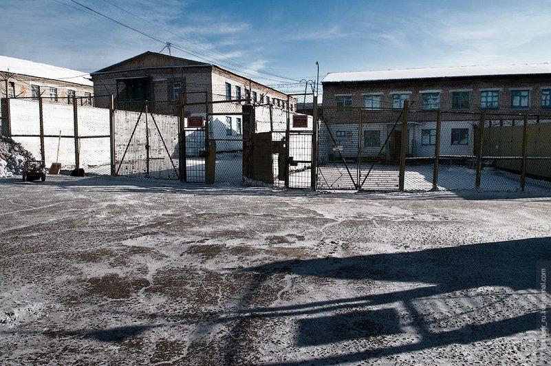 Чем отличается тюрьма от зоны