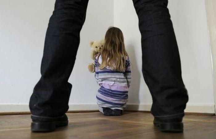 Статья за педофилию: как квалифицируется преступление?