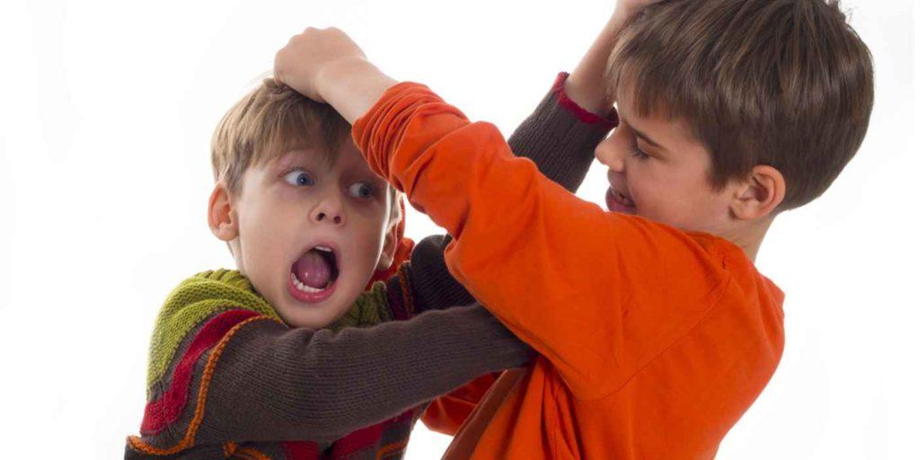 Избиение детей несовершеннолетнего возраста