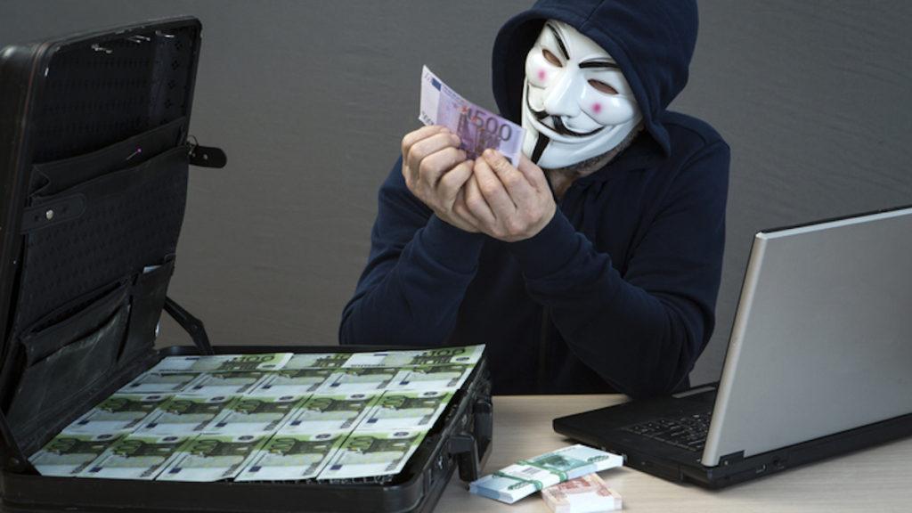 Кража денег из кассы